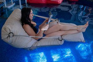 Bean-b_fabrics_tissu_Bean_Bag_Divant_pouf_Flottant_Floating_Increvable_Canada_quebec_Fatboy_Arico_pool_piscine